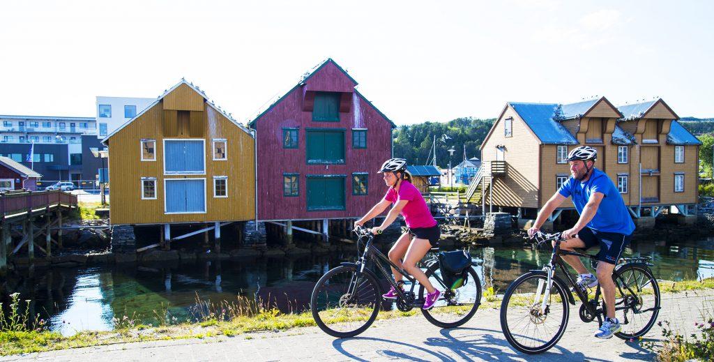 Sykkeltur i Rørvik. Foto: Olav Breen