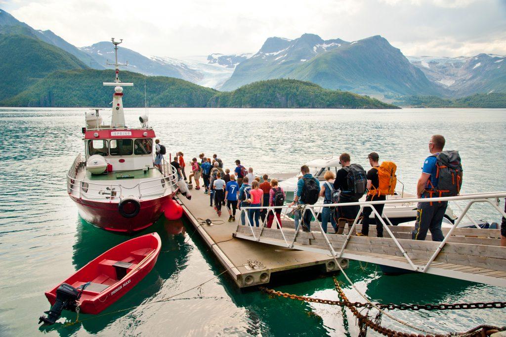 Båten til Svartisen. Foto: Olav Breen