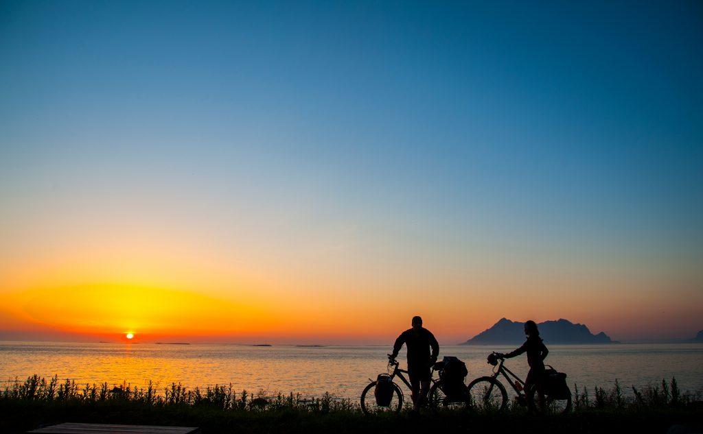 Hele Kystriksveien med sykkel. Foto: Olav Breen